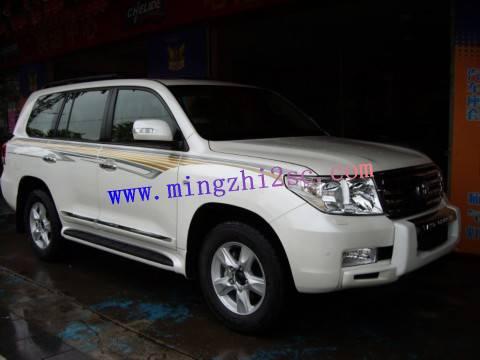 全新白色进口车丰田4700